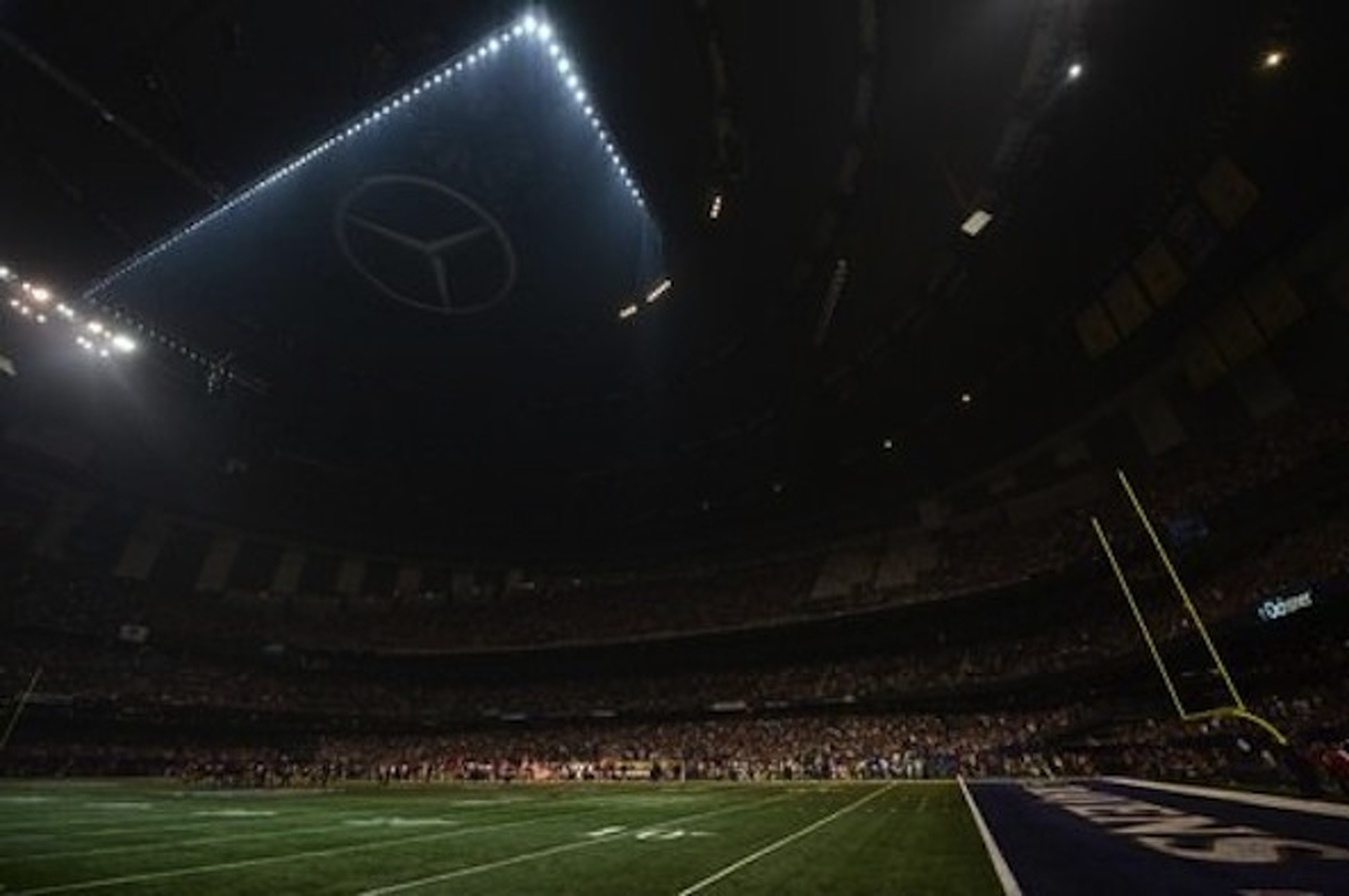 Mercedes-Benz Superdome in Darkness, Audi Takes to Twitter