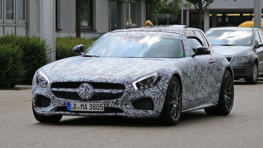 Mercedes-AMG GT C Roadster hides its soft top under camo