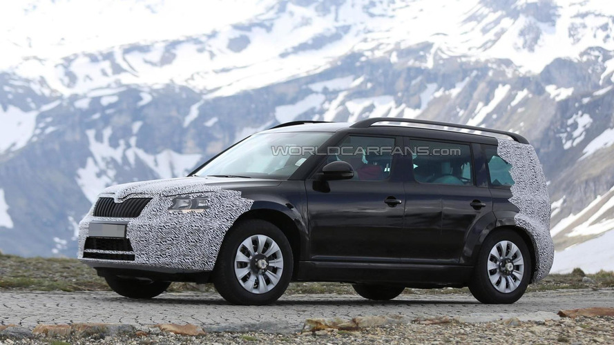 Skoda Snowman / Polar test mule spied inside and out in the Alps (27 pics)