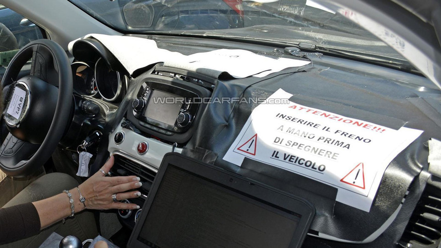 2015 Fiat 500X spied inside & out