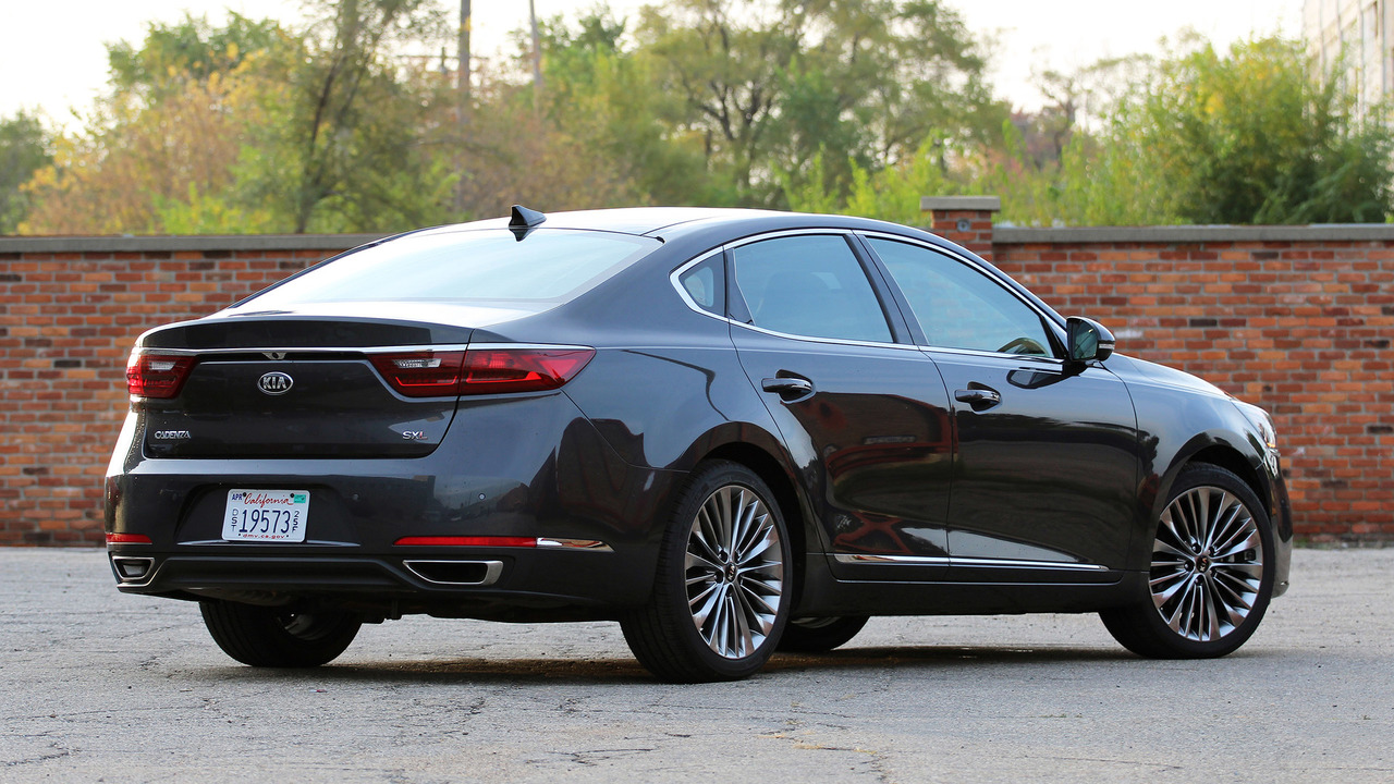2017 Kia Cadenza: Review