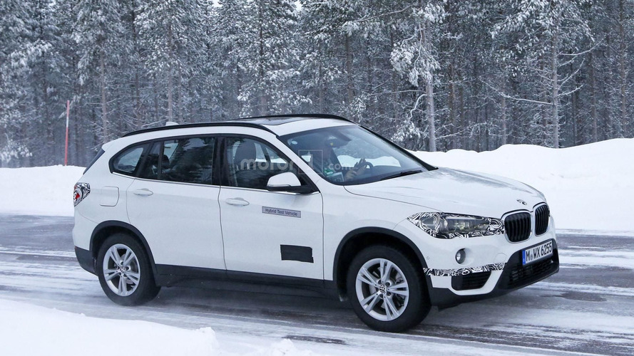 BMW X1 Plug-in Hybrid spied, should have 224 hp
