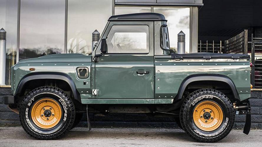Land Rover Defender'a pick up versiyonu geliyor
