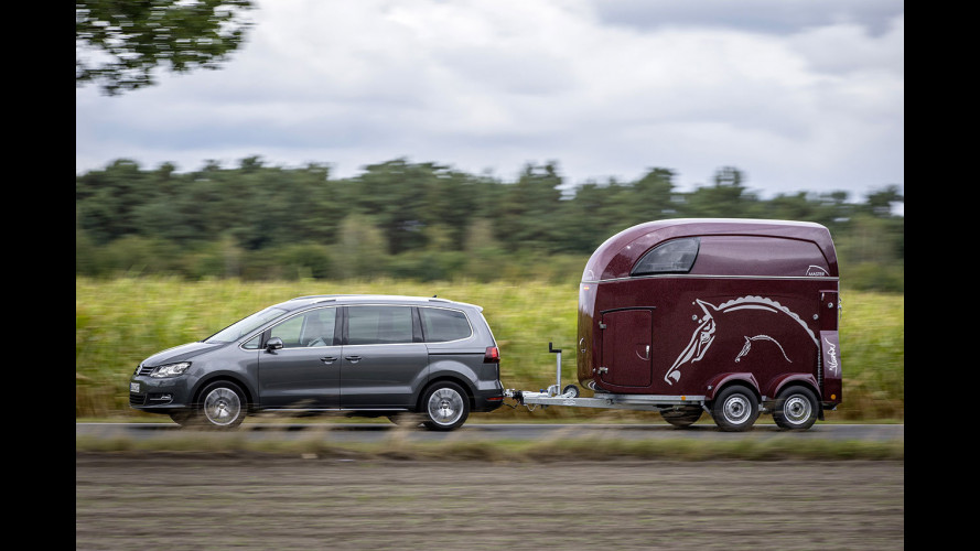 Volkswagen Sharan restyling, più efficiente e sempre connessa