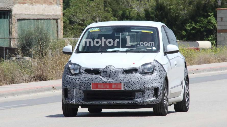 Refreshed Renault Twingo Spy Shots