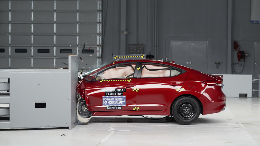 Hyundai Elantra IIHS Crash Test