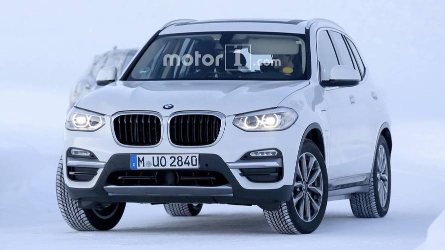 2019 BMW iX3 photos espion