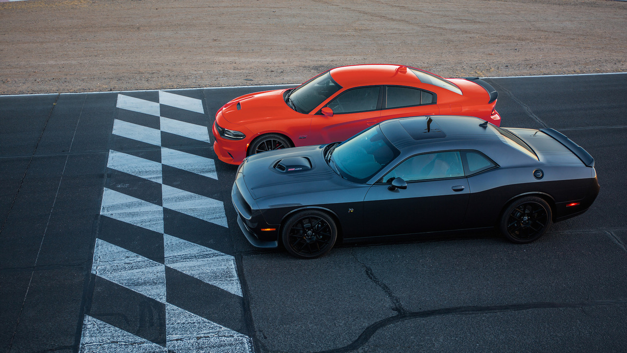 Dodge Charger Hellcat Lease >> Dodge Challenger GT AWD and wide-body Hellcat coming in 2017
