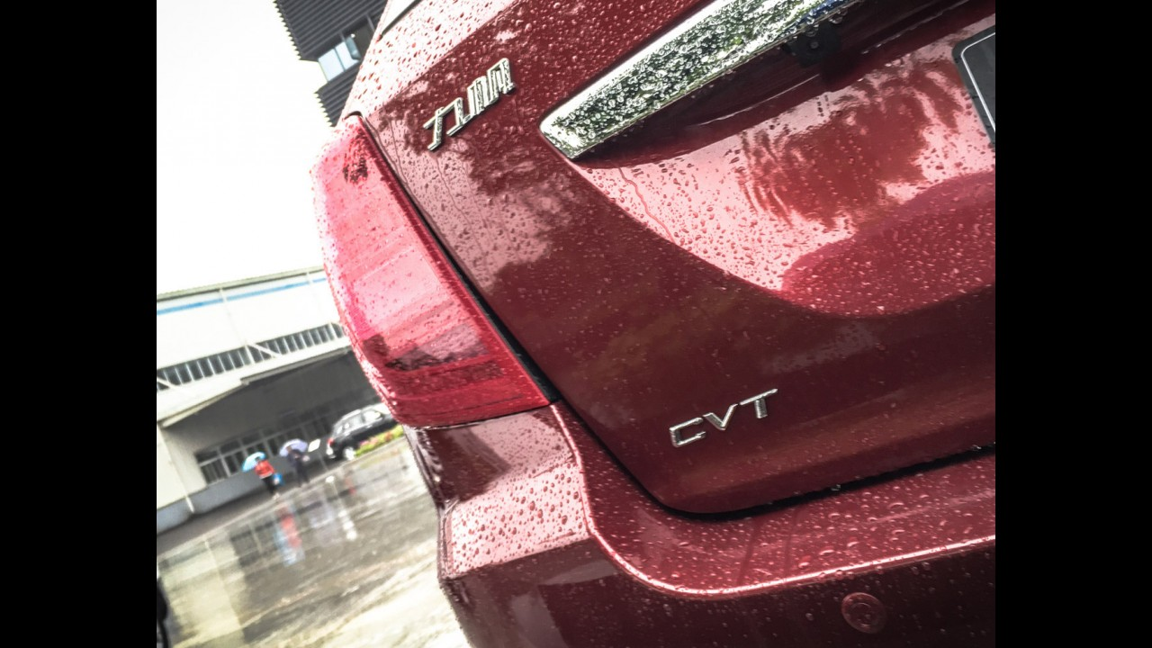 Com cara nova, CVT e ESP, Lifan X60 chega ao Brasil até novembro