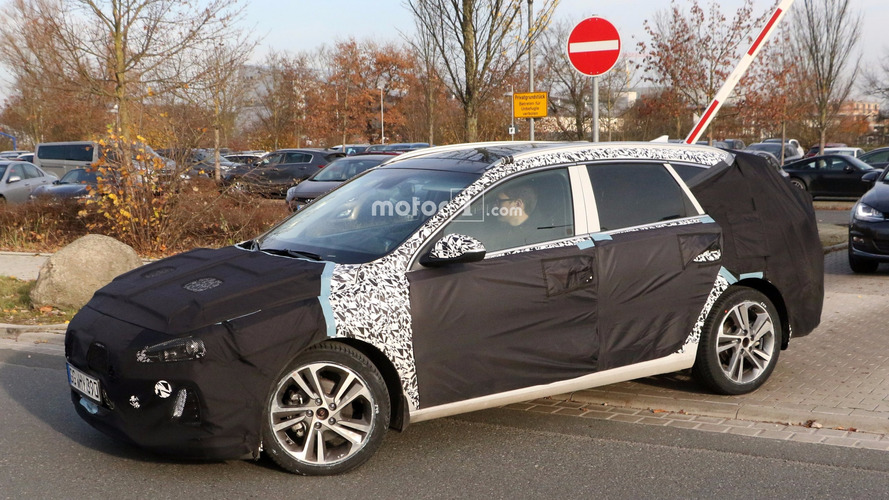 Photos espion : la Hyundai i30 break 2017 en cours d'essais