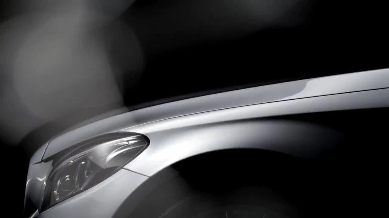 Nuova Mercedes Classe C. Primi teaser