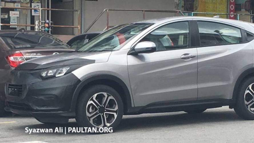 Flagra - Honda HR-V reestilizado é pego em testes pela 1ª vez