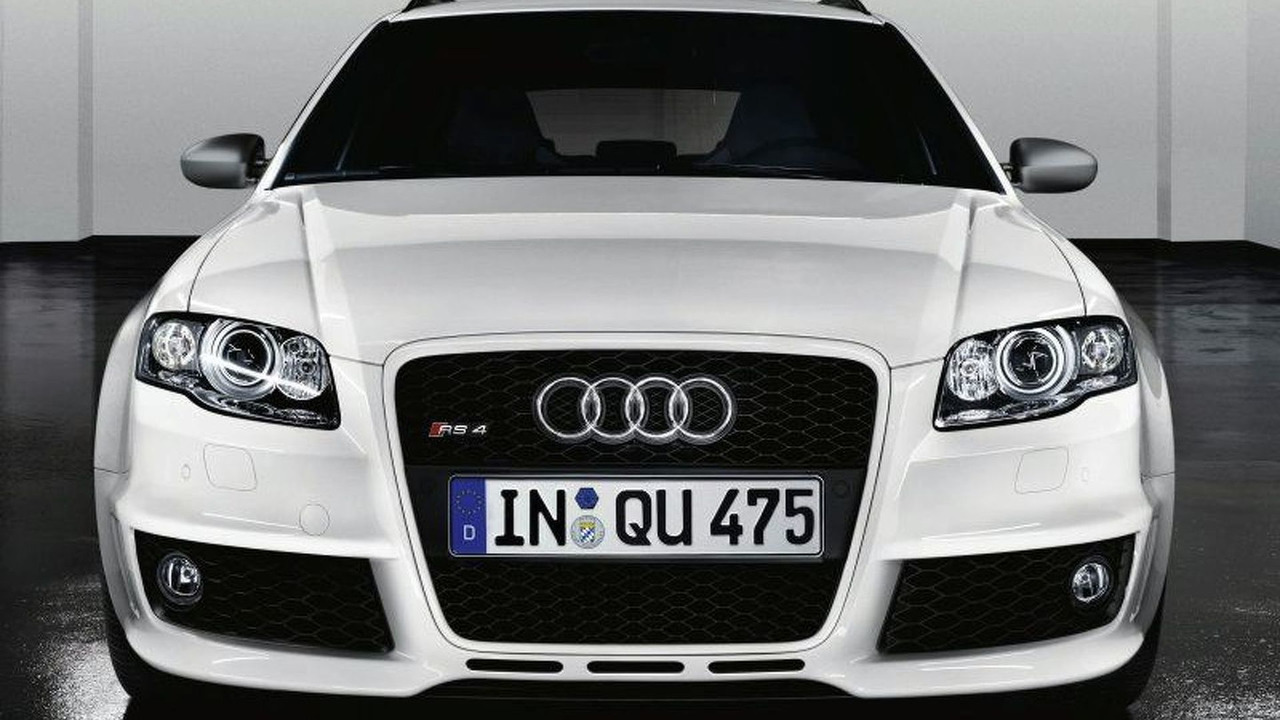 White Audi RS4 Styling Package from quattro