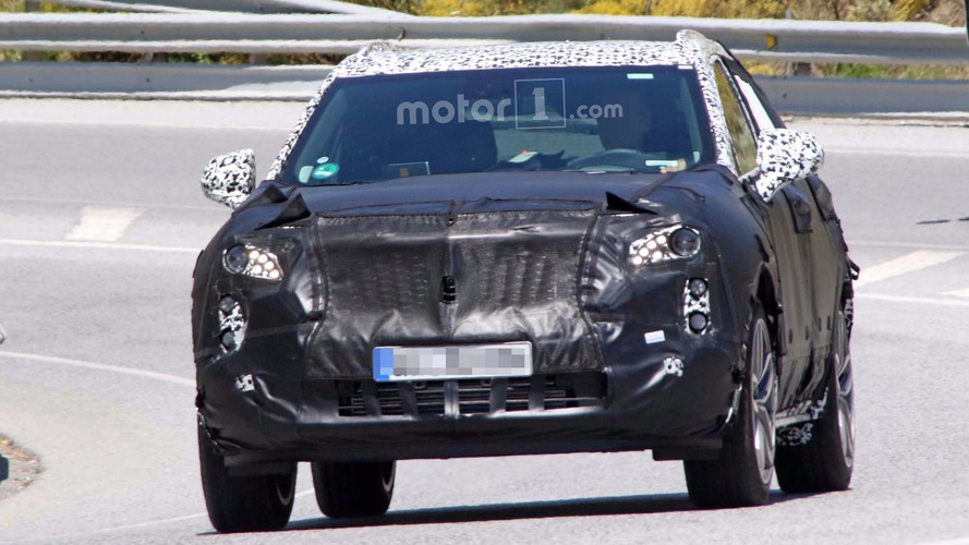 2019 Cadillac XT4 Plug-In Hybrid Spy Photos
