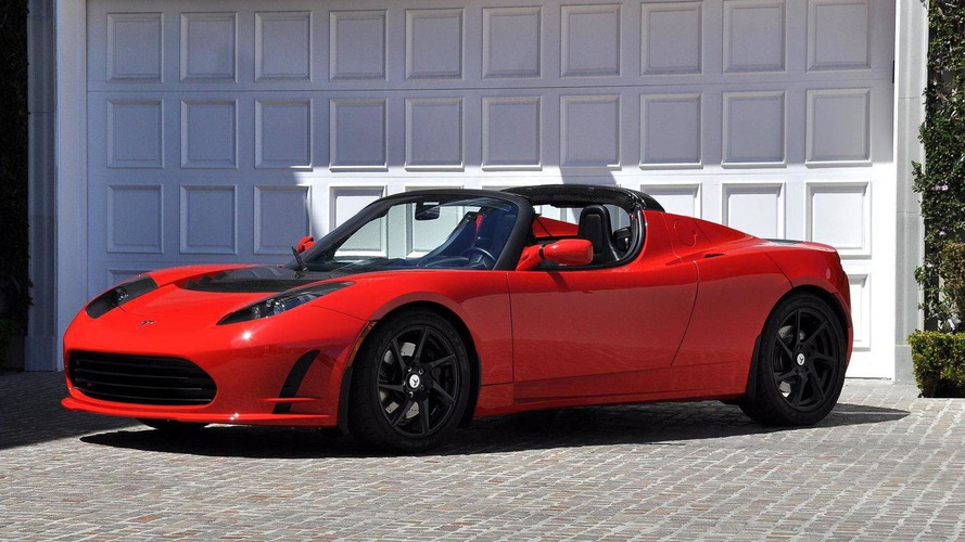 New Tesla Roadster coming in 2017 - report
