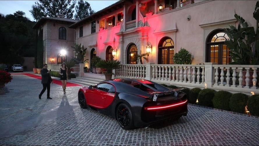 Egy eddig még nem látott sportautót mutatott be ügyfeleinek a Bugatti