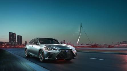 Egyelőre csak elől hajt a kívül-belül megújult Lexus ES