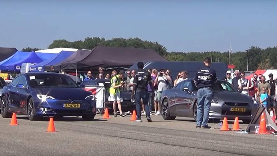 Watch Tesla Model S Race Nissan GT-R