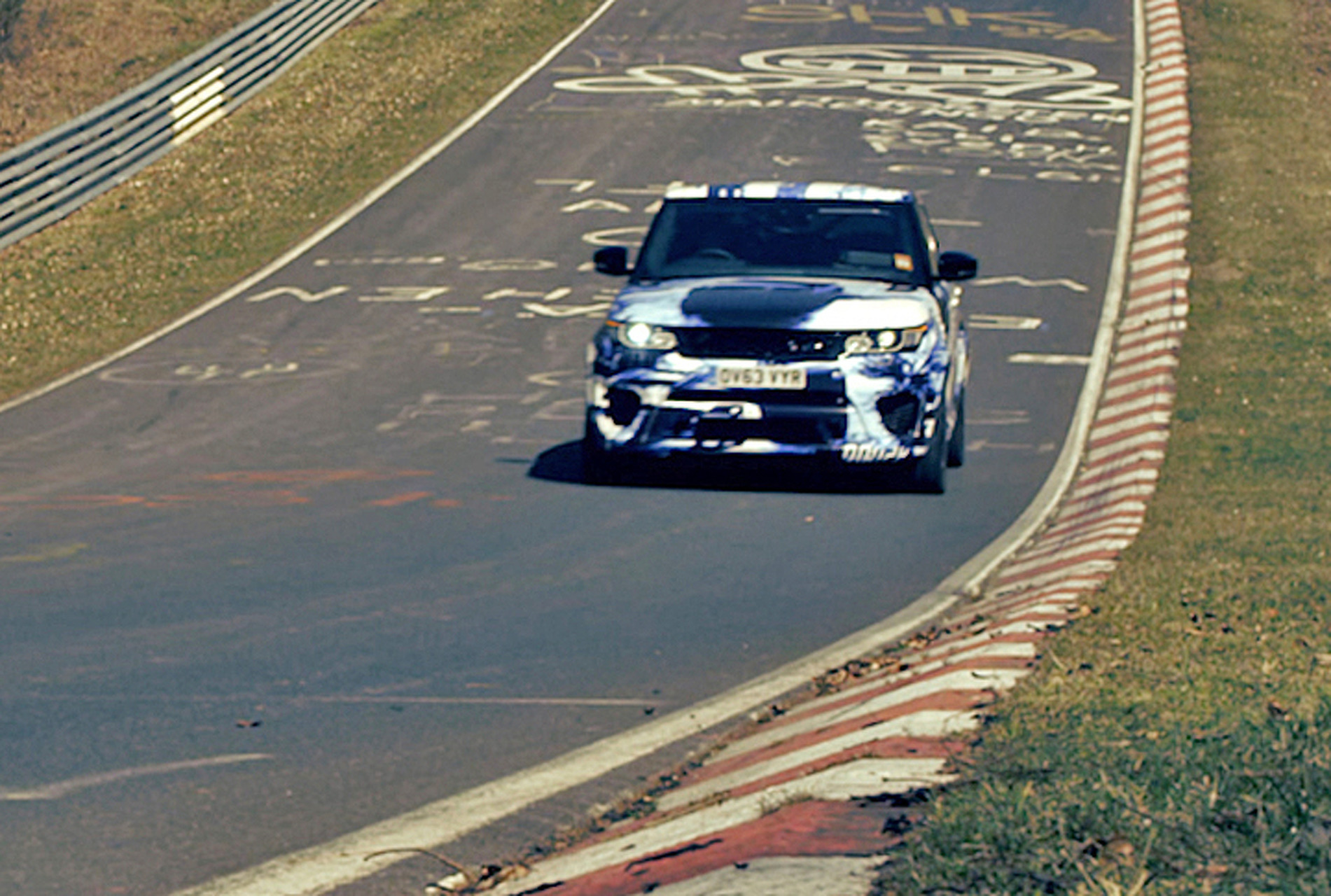 Range Rover Sport SVR Sets Speed Record [Video]