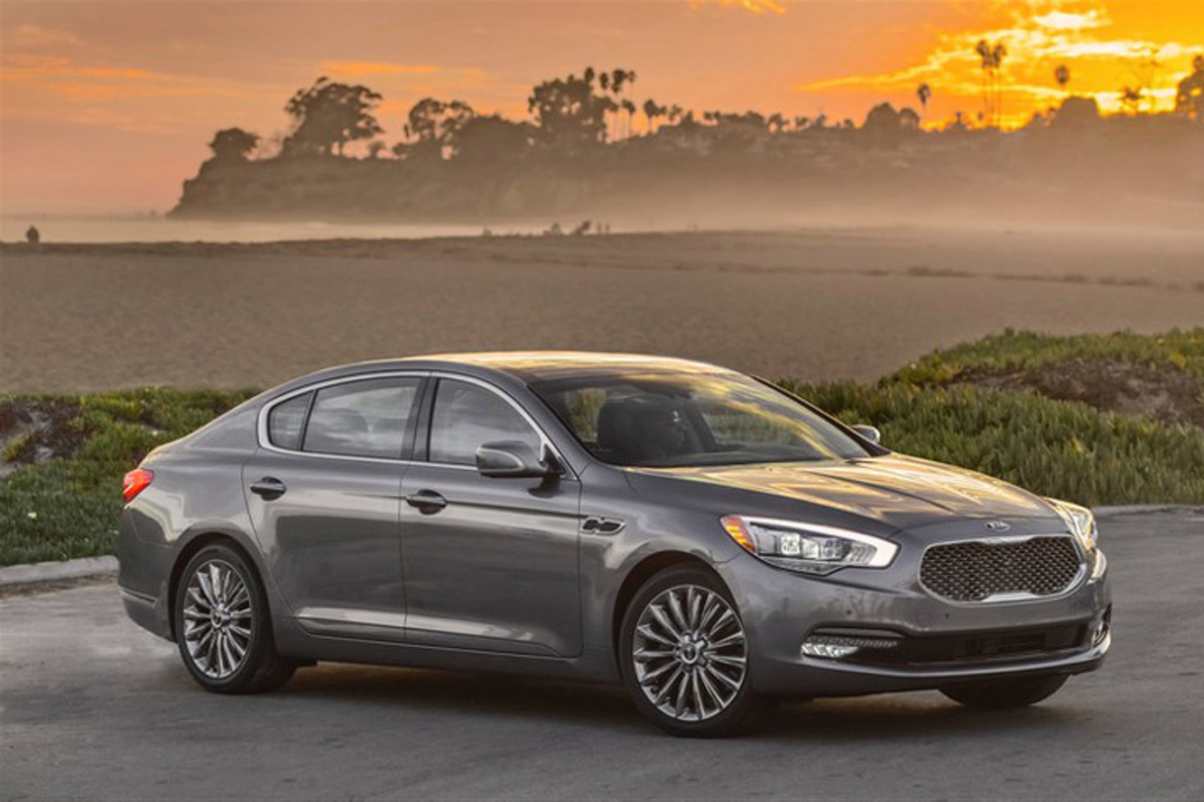 Can LeBron James Make the Kia K900 Cool?