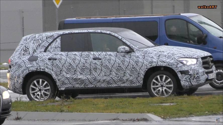 2019 Mercedes-Benz GLE-Serisi kamuflajlı olarak görüntülendi