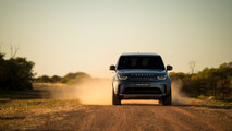 2018 Land Rover Discovery tows 110-ton road train