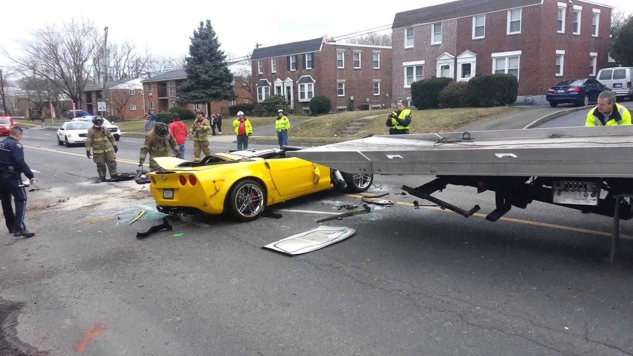 Sarı Corvette Z06'nın korkunç kazası
