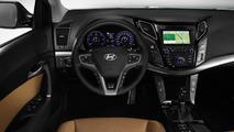 Hyundai bringing Euro-spec i20 Active and Santa Fe facelift to IAA