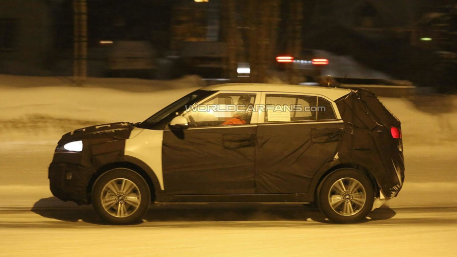 Hyundai ix25 spied up close winter testing
