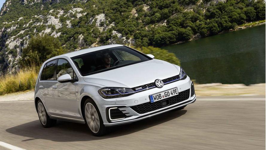 Volkswagen yüksek talep yüzünden Golf GTE siparişlerini durdurdu