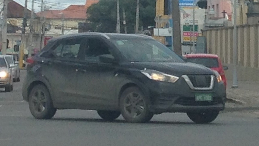Flagra - Nissan Kicks testa versão básica antes de virar nacional