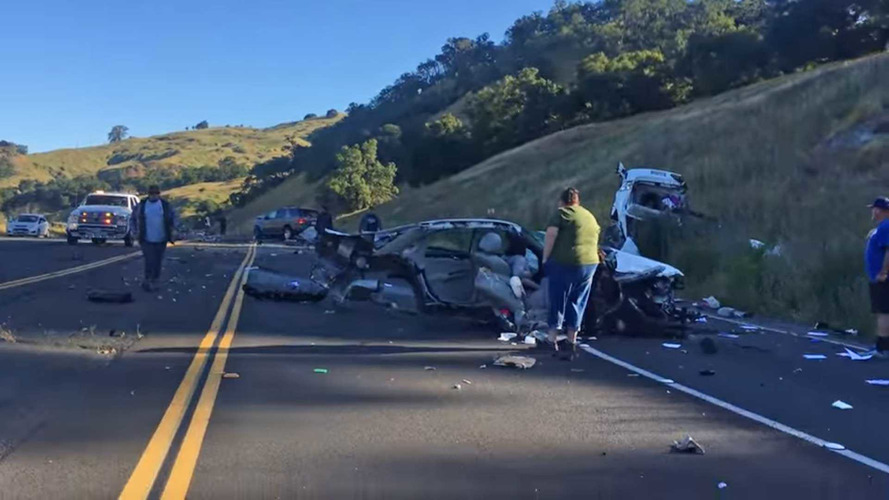 Crazy Crash Cuts Chevy Impala In Half, Everyone Survives