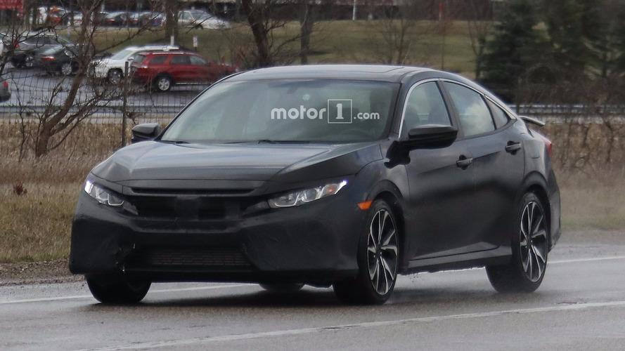 Flagra - Novo Honda Civic Si aparece agora na versão sedã