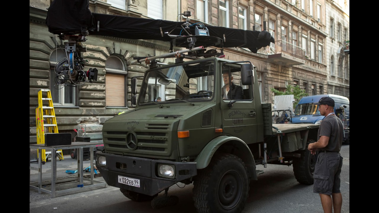 Duro de matar: novo filme da série tem Mercedes em ação e nada menos que 650 carros destruídos!