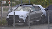 2019 Mercedes GLE almost camo-free spy photos
