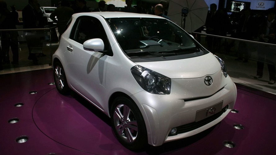 Toyota iQ Production Version Unveiled at Geneva