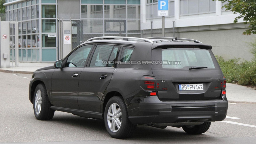 2012 Mercedes GL spied with less camo