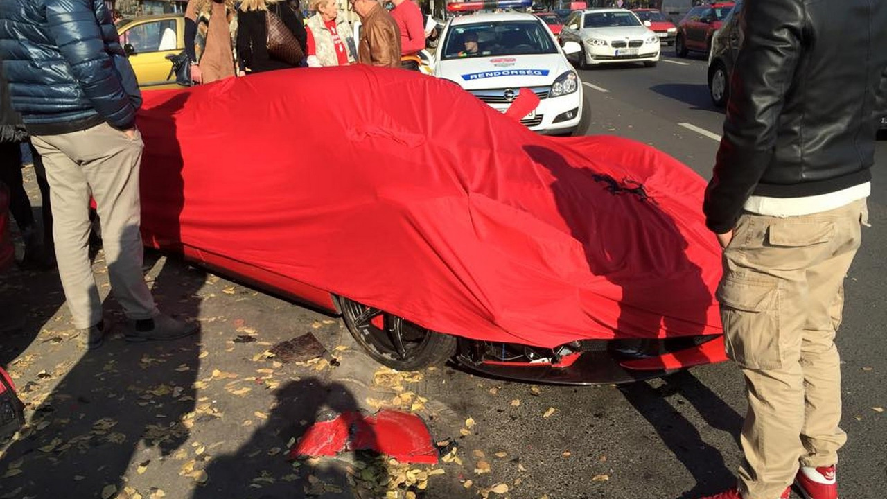 LaFerrari accident in Bupdapest