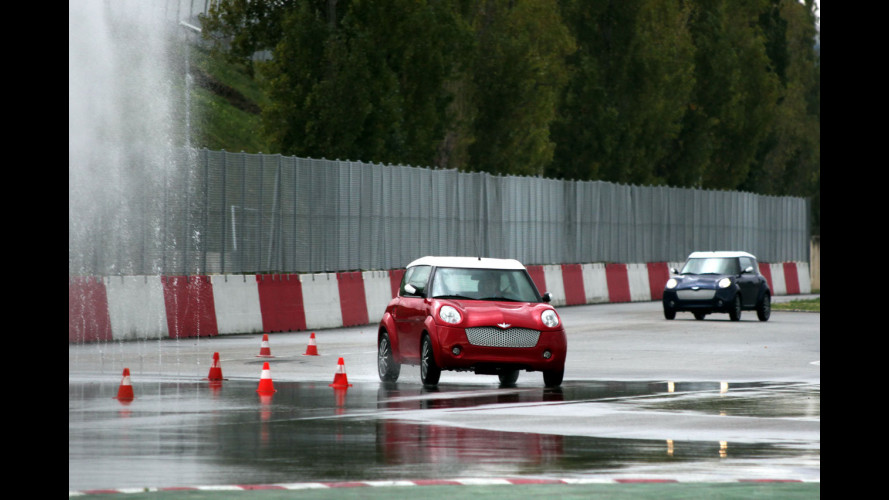 Prove di sicurezza in pista per le Minicar
