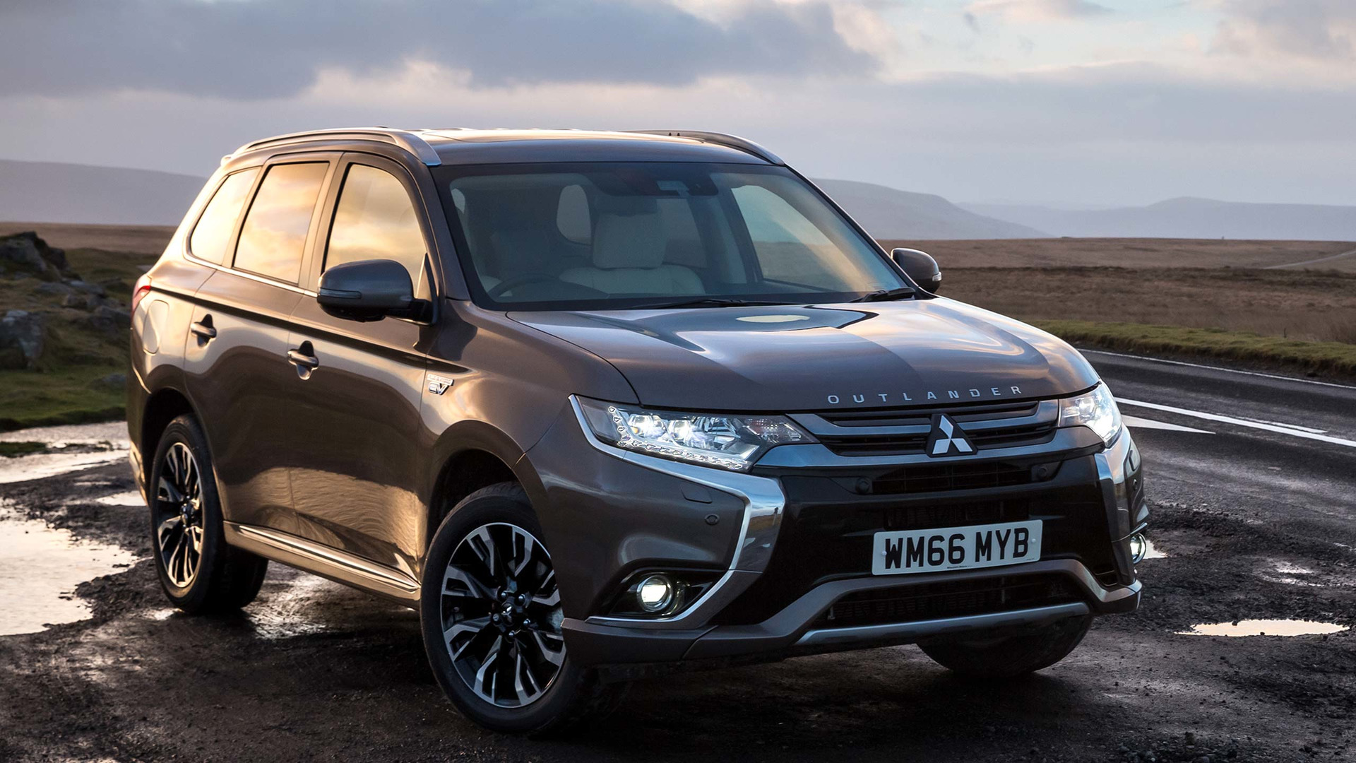 outlander test s original driver and road car mitsubishi photo reviews review concept gt prototype