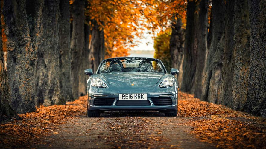 2016 Porsche 718 Boxster review: Fast, fun, flat