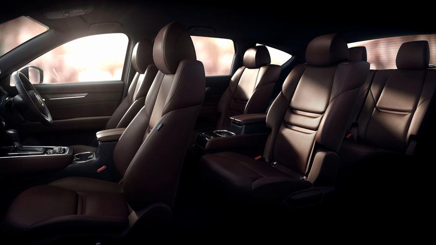 Megérkezett az első kép a 7-üléses Mazda CX-8-ról