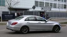 Makyajlı Mercedes C Sınıfı casus fotoğrafları