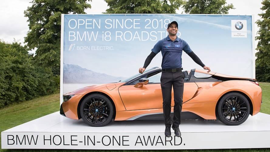 Un golfeur gagne une BMW i8 Roadster grâce à un trou-en-un