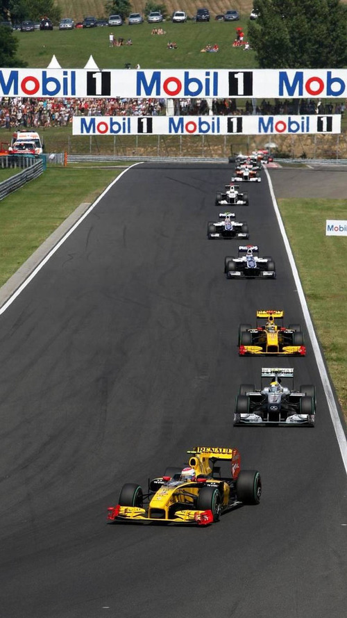 Petrov 'definitely' on track for 2011 seat - Boullier