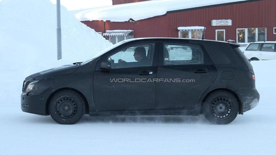 2012 Mercedes-Benz B-Class spied at arctic circle