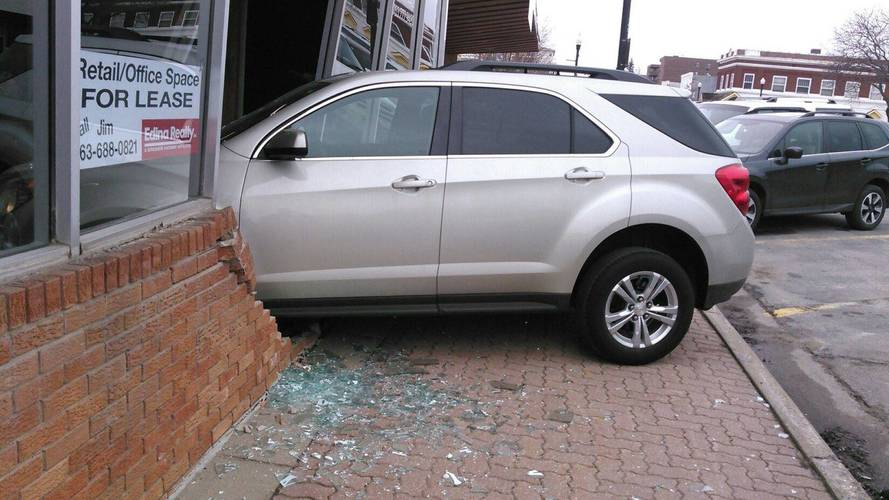 Driving Test Abruptly Ends When Student Crashes Into Building