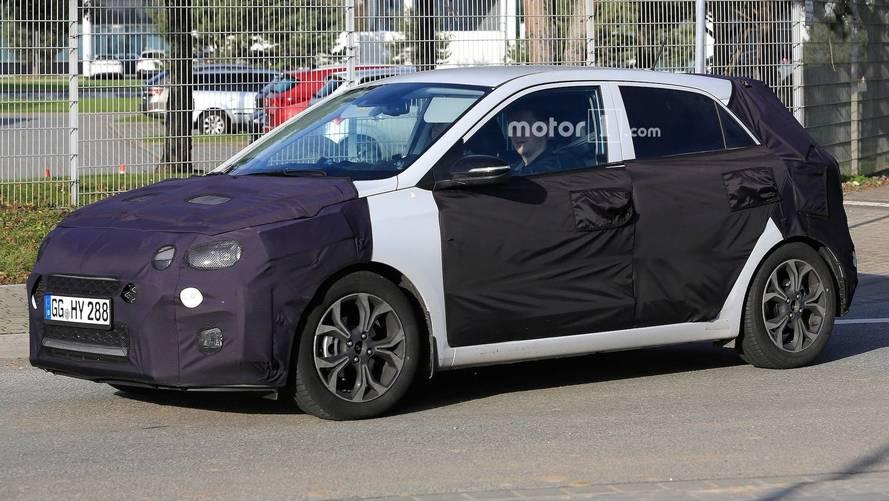 Makyajlı Hyundai i20 tanıtım öncesi Hindistan'da görüldü