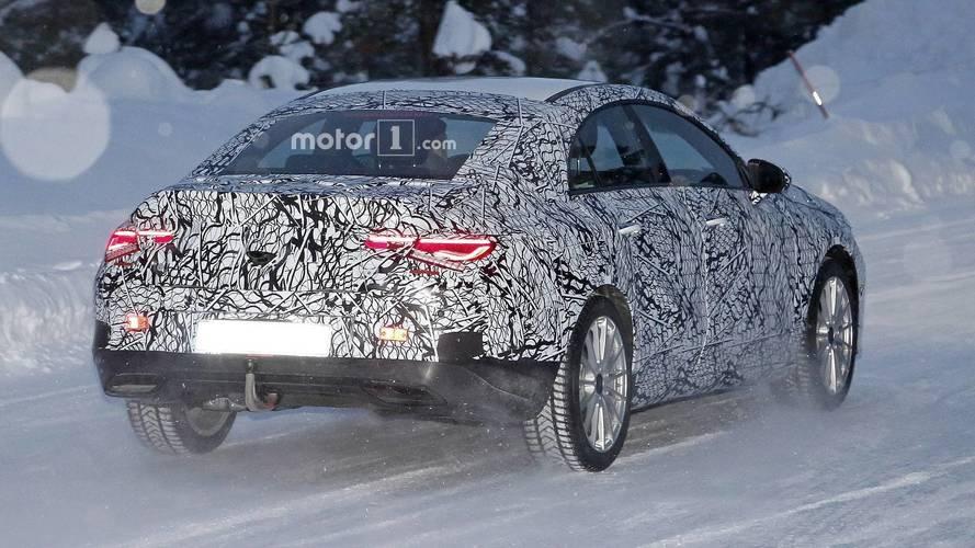 Flagra - Novo Mercedes-Benz CLA é pego em testes pela 1ª vez