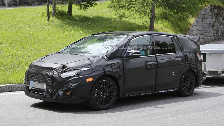 2015 Ford S-Max spied inside & out